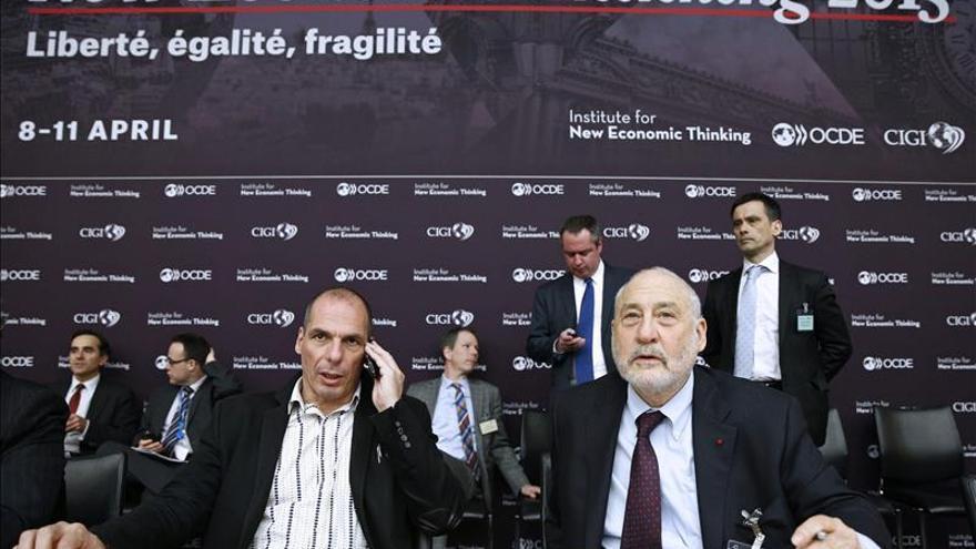 Varoufakis y el premio Nobel de Economía Joseph E. Stiglitz.