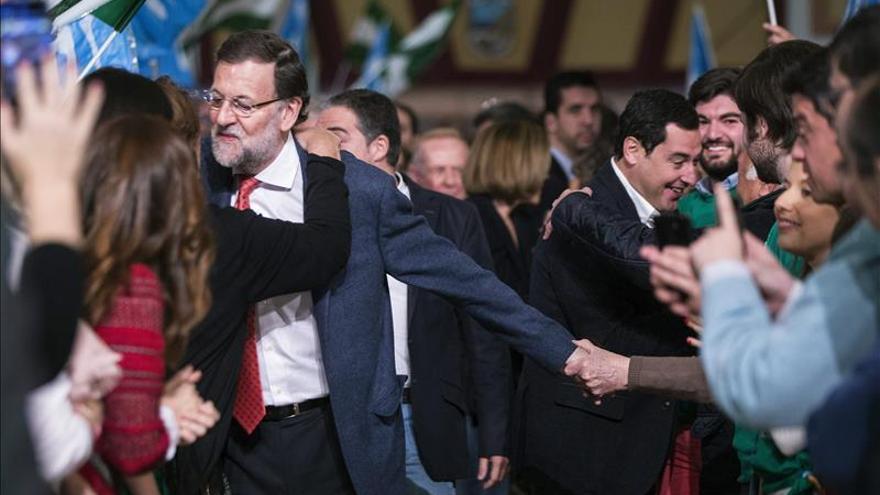 """Rajoy promete que el PP recuperará los """"tres años perdidos"""" en Andalucía"""