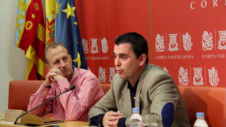 Alexís Marí y Toni Subiela (Ciudadanos) en las Corts Valencianes.