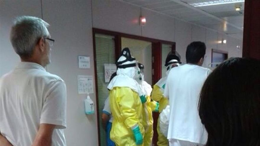 La enferma de ébola igresó en el hospital de Alcorcón.