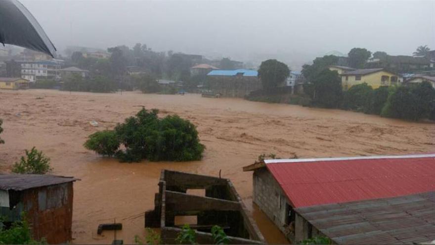 Al menos 300 muertos por inundaciones en Sierra Leona
