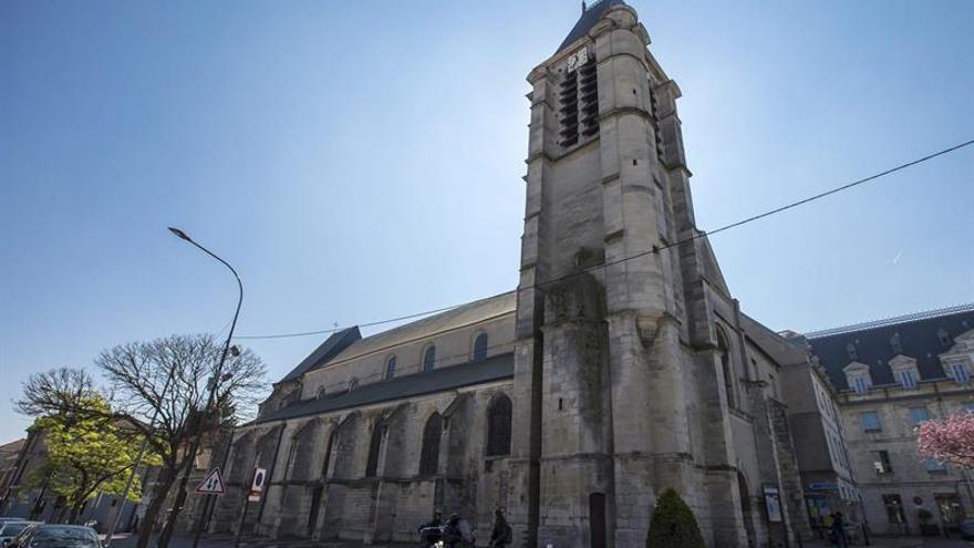 Detenidos 4 cómplices del atentado frustrado contra una iglesia en Francia