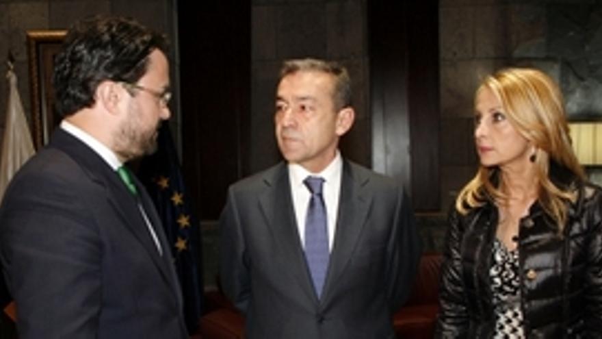 Rivero, Antona y Australia Navarro.