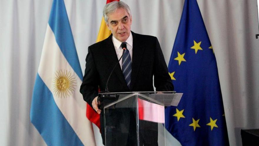 España apoya el esfuerzo de Argentina ante la crisis al celebrar la fiesta nacional