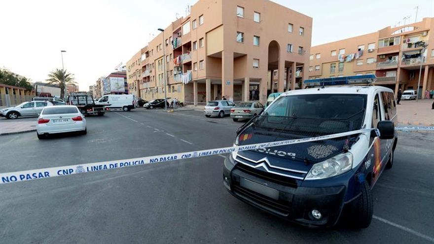 Buscan a tres miembros de una familia huidos tras tiroteo mortal en Cartagena