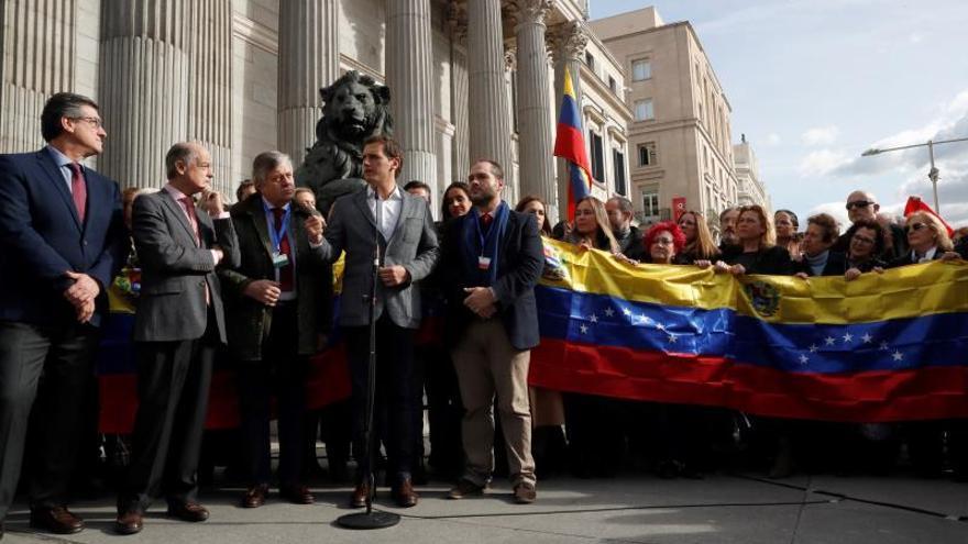 """Rivera pide a Sánchez que apoye a Guaidó y posibilite """"urnas"""" en Venezuela"""