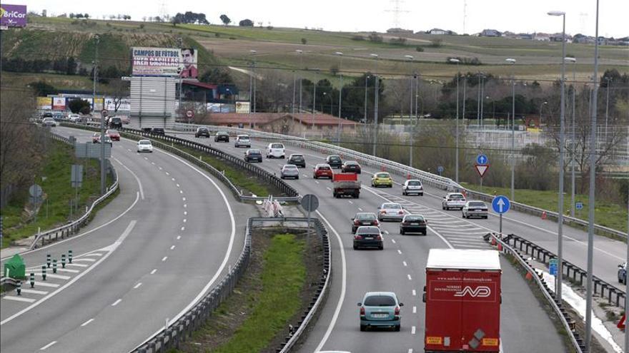 Las salidas de Madrid a Valencia y Extremadura registran los primeros atascos