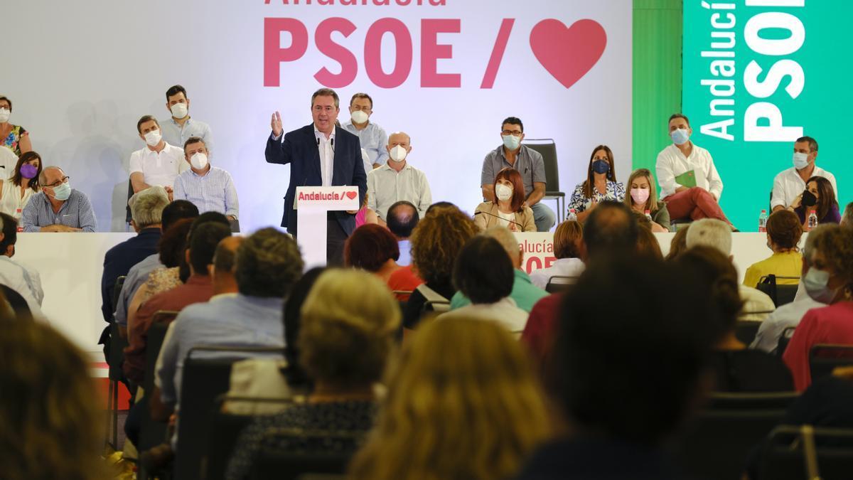 Juan Espadas durante su intervención en el último Comité Director del PSOE-A