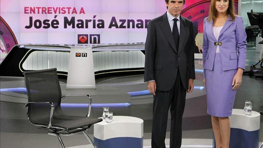Aznar dice que nunca ha percibido más retribuciones que las que ha declarado