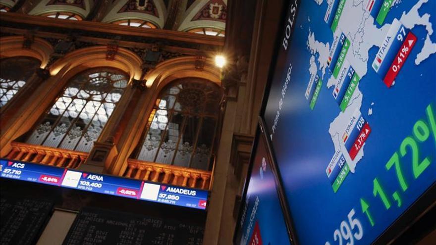 La prima de riesgo abre estable, en 112 puntos, a la espera de la FED