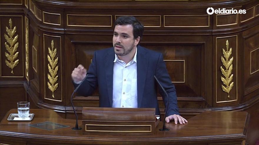 Alberto Garzón durante su intervención en la moción de censura