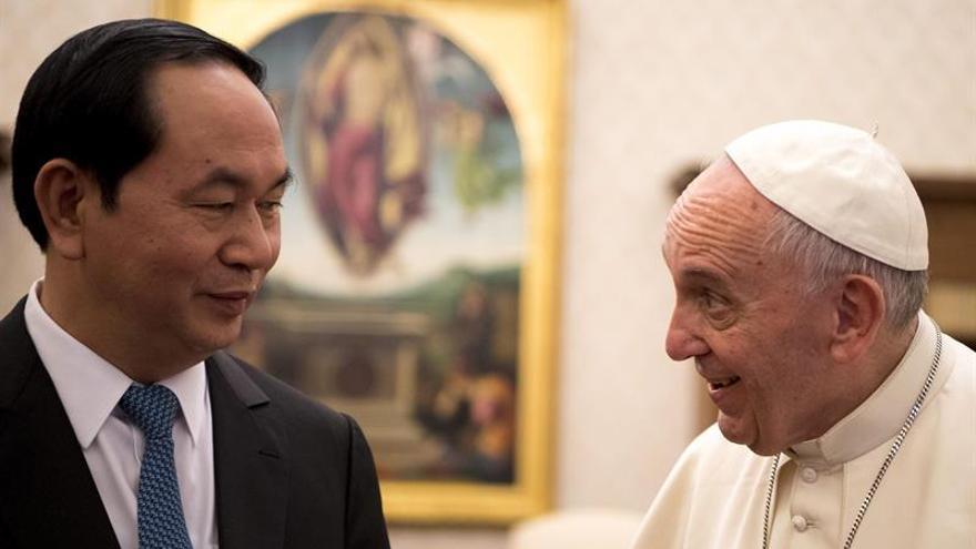 El papa recibe al presidente de Vietnam y coinciden en seguir la normalización