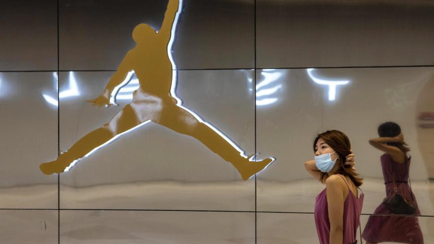 La covid paraliza fábricas de grandes marcas como Nike en Vietnam