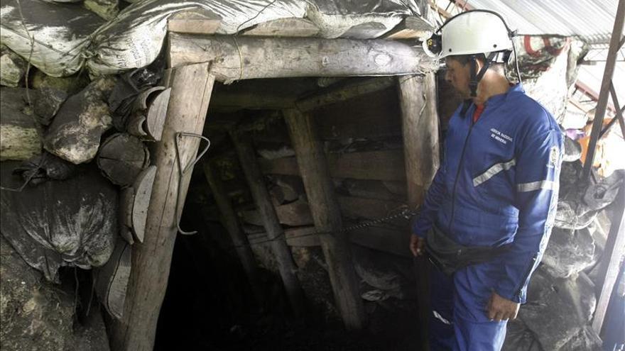 Declaran calamidad pública por emergencia de mineros atrapados en Colombia