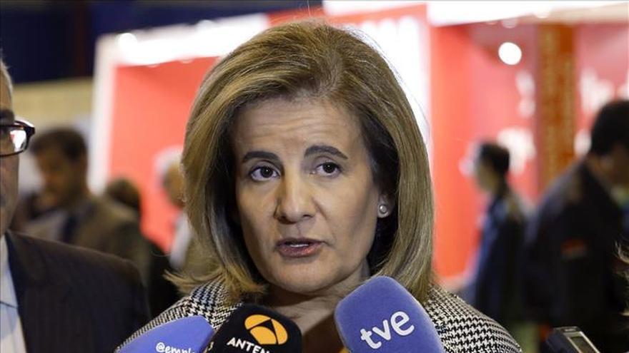 Báñez garantiza buscar una solución para Abengoa y pide diálogo hasta la extenuación