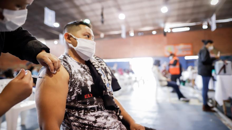 Repunte en Miami, temor en la frontera EE.UU.-México y otras claves de la covid