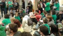 Asamblea sobre la LOMCE y los recortes en la biblioteca municipal de Villalba, Madrid