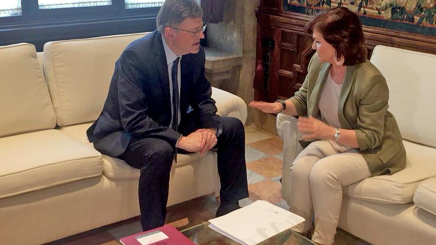 El president Ximo Puig reunido con la vicepresidenta del Gobierno Carmen Calvo en el Palau de la Generalitat