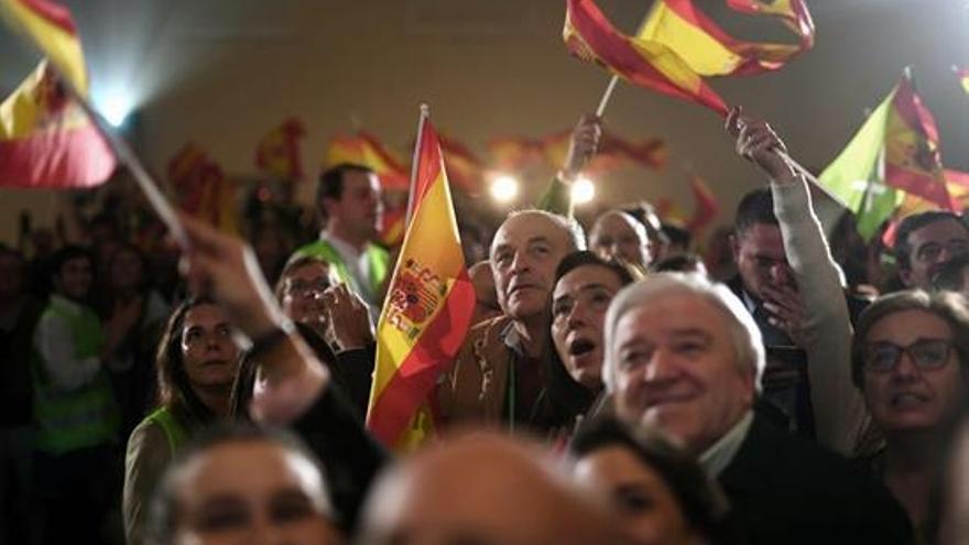 Simpatizantes de Vox celebran su victoria en las elecciones andaluzas