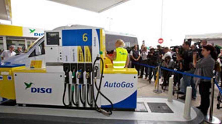 Inauguración de la planta distribuidora de autogás en la capital grancanaria. EUROPA PRESS