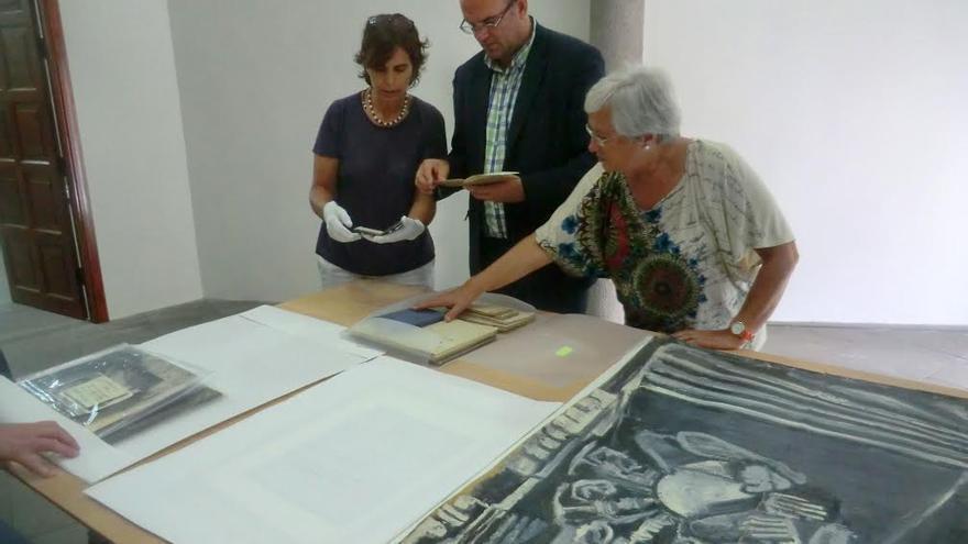 Miriam Arozena Rotta, Anselmo Pestana y María Victoria Hernández.