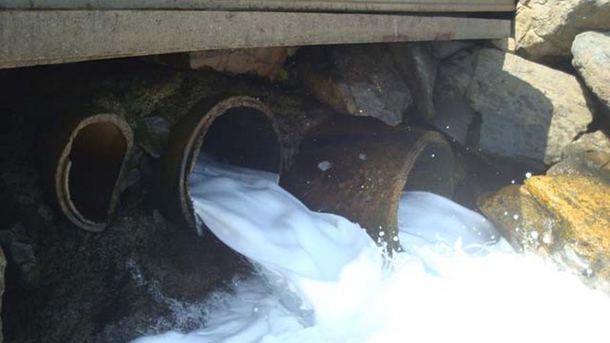 Escollera de protección del polígono industrial de Piedra Santa 2.