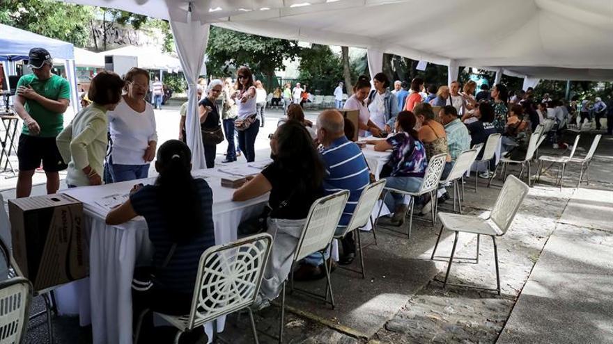 El chavismo y la oposición inician la campaña formal por 23 gobernaciones en Venezuela