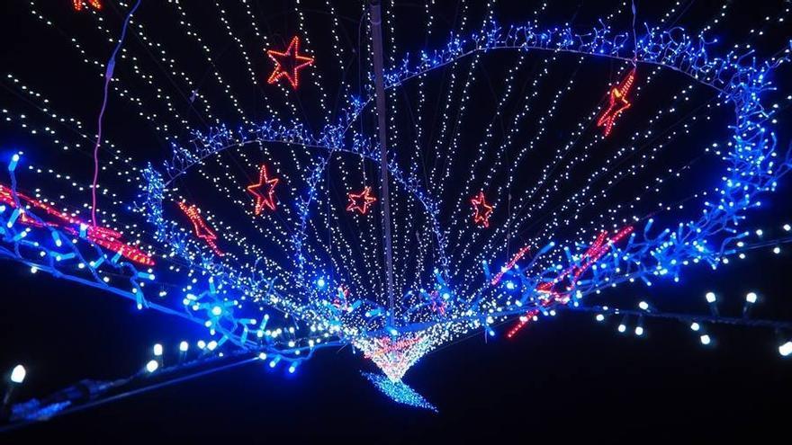 Espectáculo de luz y color en la Navidad de Breña Alta.