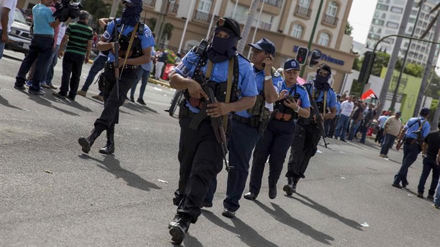 La Policía de Nicaragua prohíbe las armas ante la fiesta sandinista