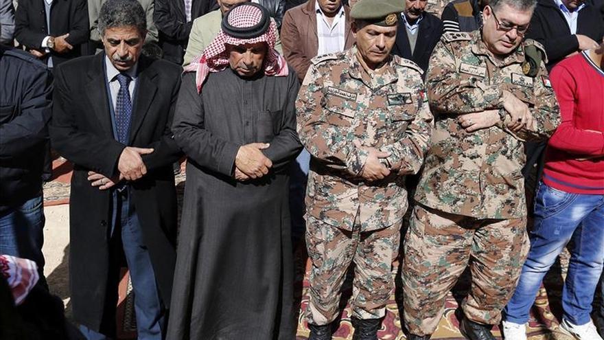 """Cazas jordanos efectúan una misión """"con éxito"""" tras la ejecución del piloto"""