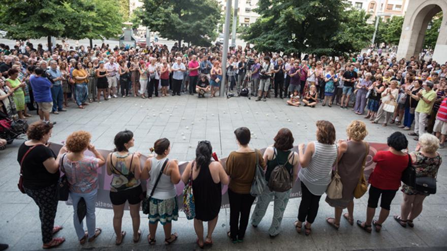 Concentración contra la violencia machista ayer en Zaragoza.