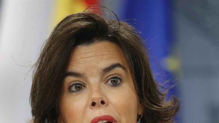 S.Santamaría dice que el Gobierno no debe inmiscuirse en la situación del PSOE