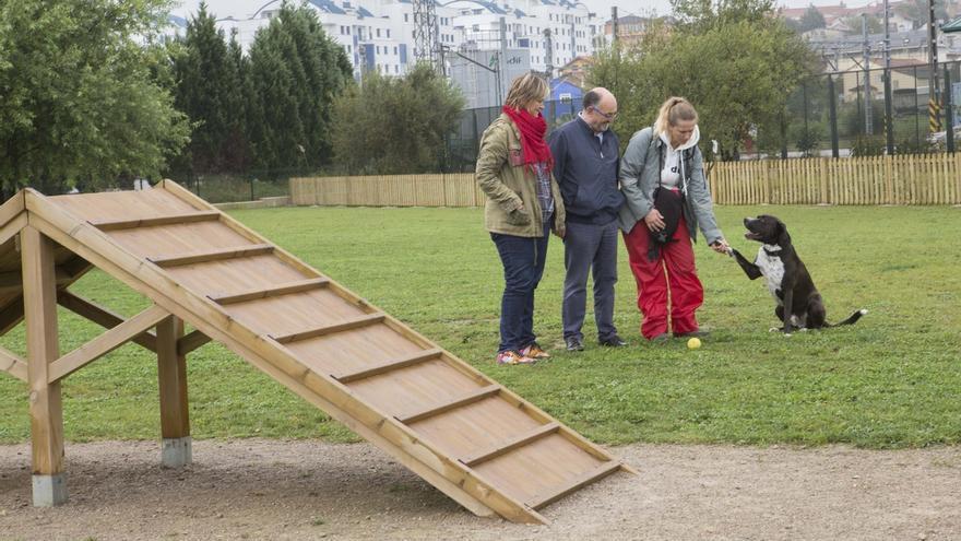 El Ayuntamiento completa los trabajos en el parque canino público de Cros