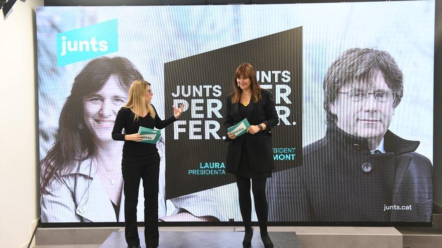 La candidata de JxCat a las elecciones, Laura Borràs, y la directora de la campaña, Elsa Artadi