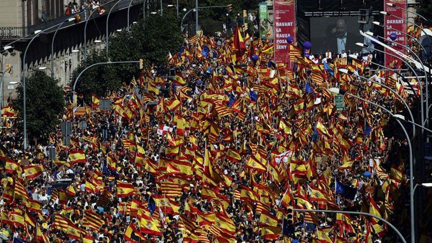 Manifestación por la unidad de España de Societat Civil Catalana en Barcelona en octubre de 2017.