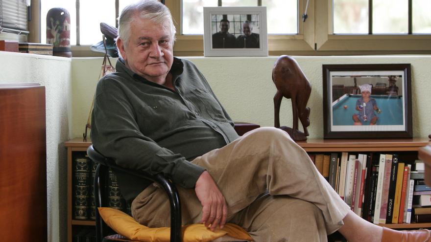 El periodista, escritor y colaborador de Canarias Ahora José. A Alemán