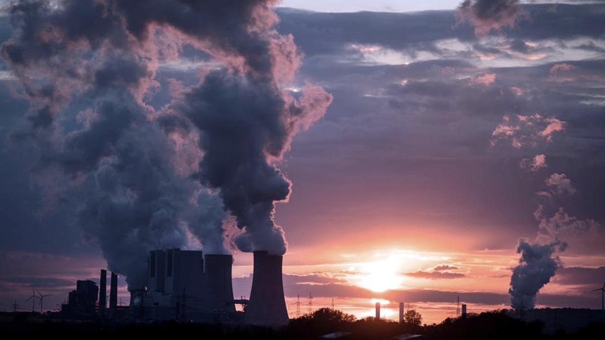 """El Acuerdo de París tiene por objeto mantener el calentamiento """"muy por debajo"""" de los 2ºC con respecto a la era preindustrial"""