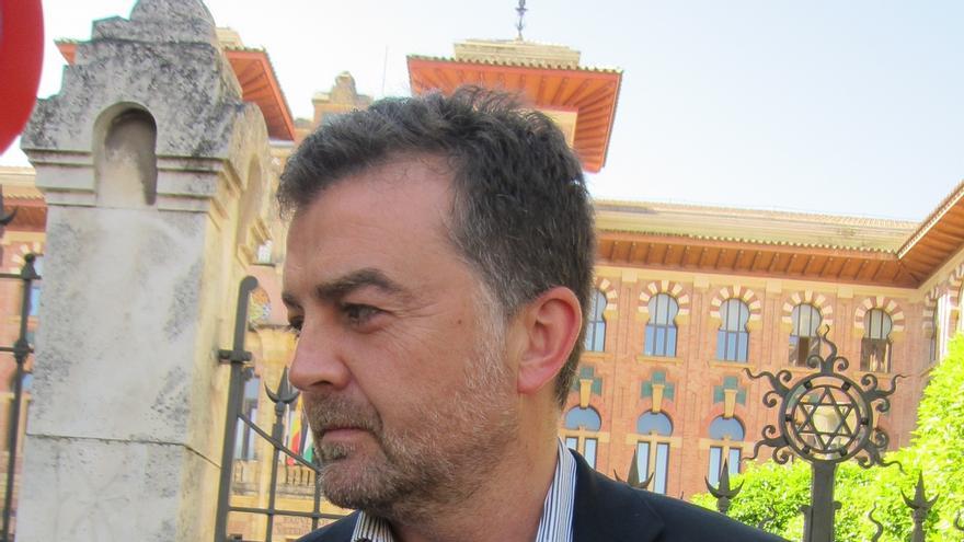 "Maíllo, que ve a Díaz ""muy nerviosa"", advierte de posible ""pacto del bipartidismo"" con abstención de PP-A"
