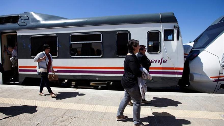El número de viajeros transportados por tren aumentó un 3,5 % hasta marzo