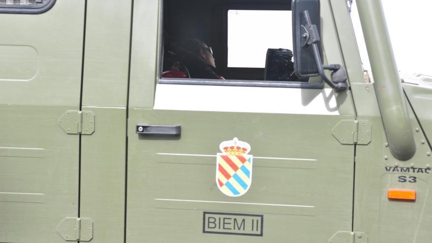 Vehículo de la UME para ayudar a controlar y extinguir el incendio en Gran Canaria. (Ángel Sarmiento).