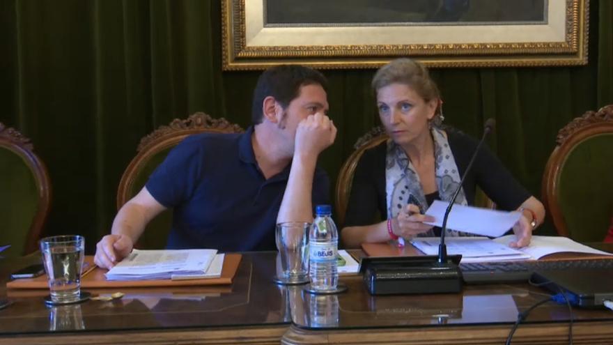 Ignasi Garcia (Compromís) y Amparo Marco (PSPV), en el último pleno de la legislatura.