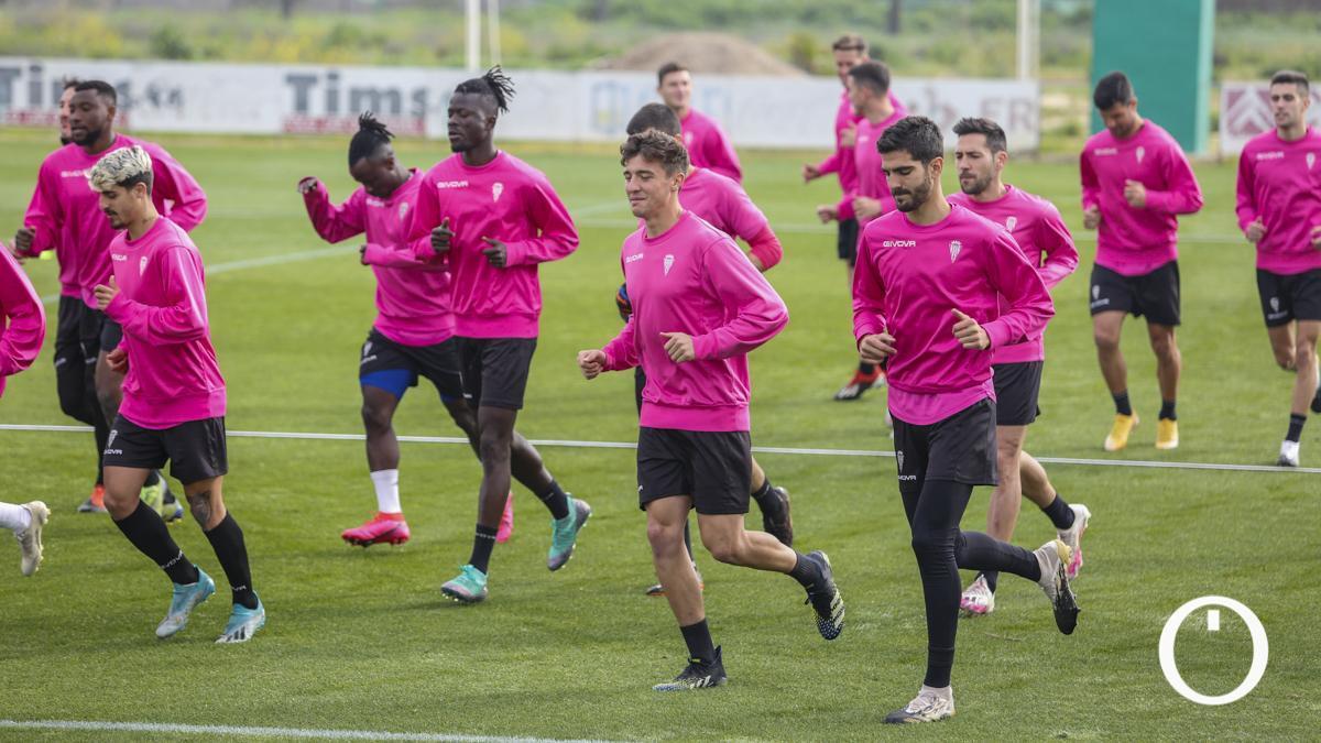 Jugadores del Córdoba, en un entrenamiento.
