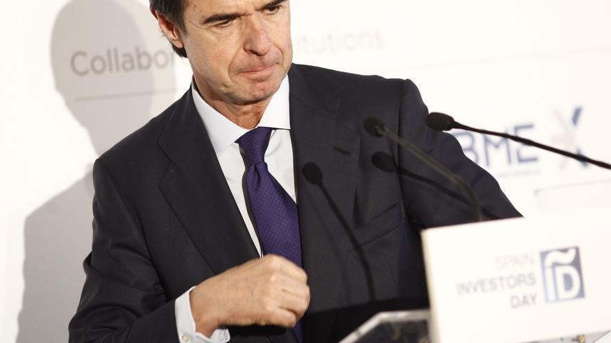 El mandato de Soria al frente de Industria, marcado por el agujero eléctrico y las prospecciones en Canarias