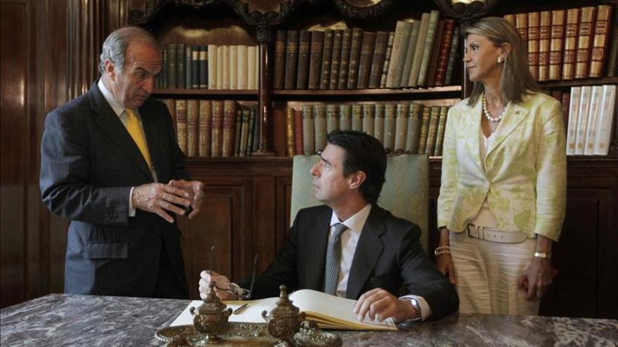 A la derecha, en una imagen de archivo, el presidente de la patronal, Joaquim Gay de Montellà.