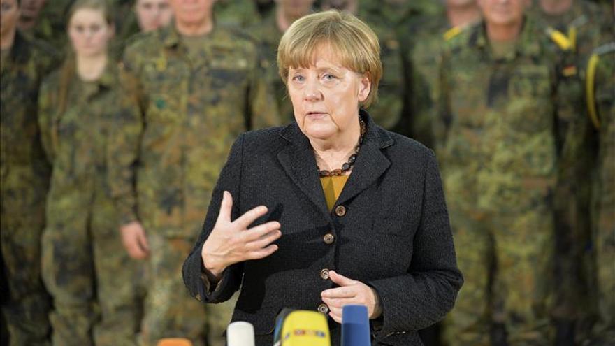 Merkel vincula su rechazo al límite máximo de refugiados con su credibilidad