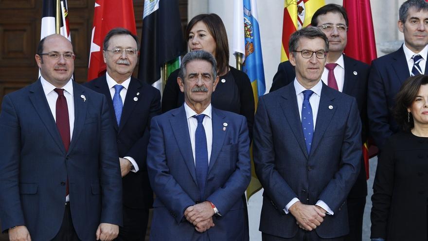 La presidenta balear, Francina Armengol, junto con otros presidentes de Comunidades Autónomas
