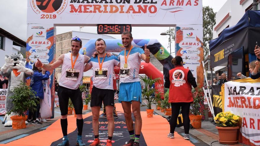 Podium masculino Maratón Meridiano