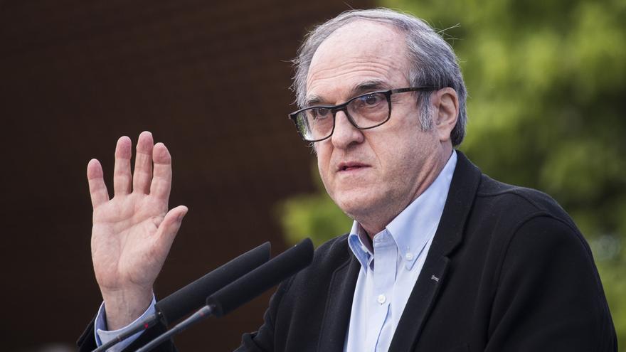 El candidato del PSOE a la Presidencia de la Comunidad de Madrid, Ángel Gabilondo, durante un acto del partido en el barrio de Aluche a 1 de mayo de 2021, en Madrid (España).