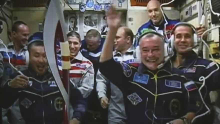 """Aplazan la corrección de la órbita de la Estación Espacial Internacional por la """"basura espacial"""""""