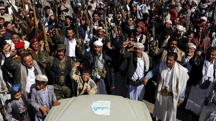 Los hutíes anuncian un Consejo Presidencial y disuelven el Parlamento yemení